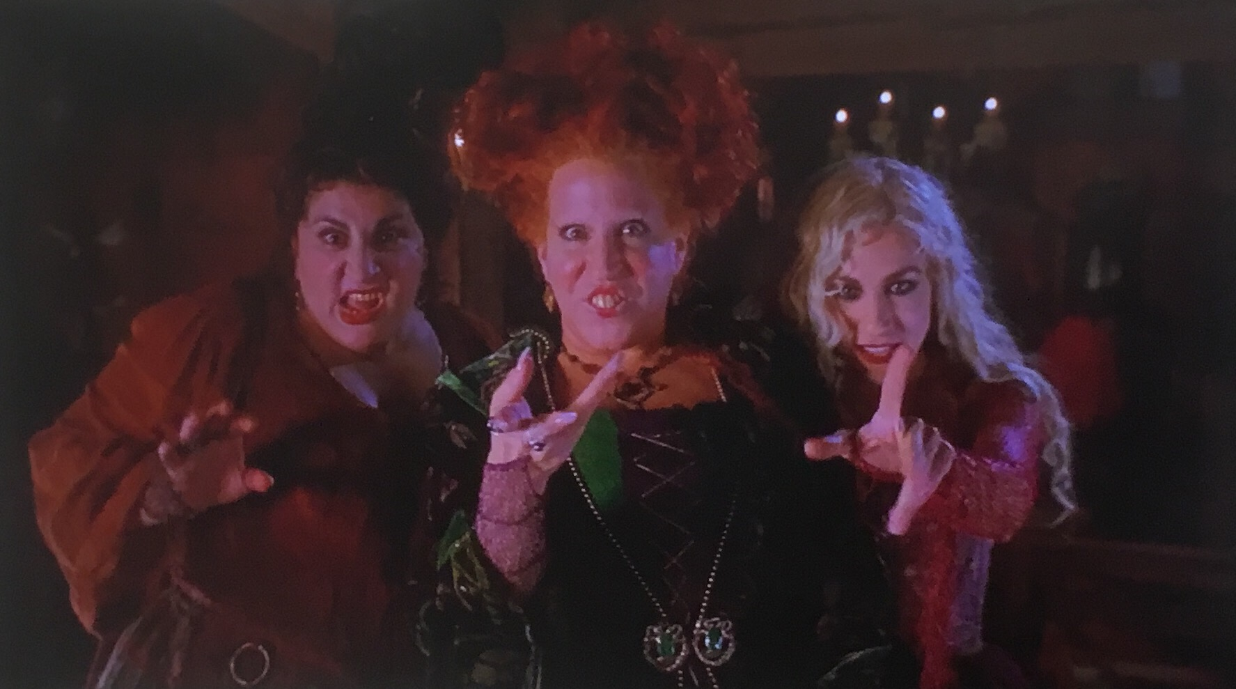 hocus pocus the sanderson sisters kathy najimy bette midler and sarah jessica parker